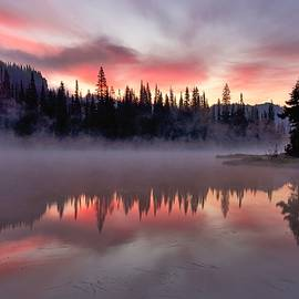 Steve Luther - Pink Dawn Reflection