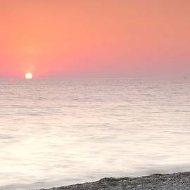 Natalia Otrakovskaya - Pink Sunrise