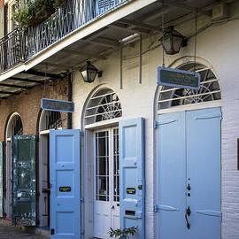Bob Estremera - Pirates Alley, French Quarter