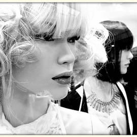 Daniel Gomez - Plastic Blond