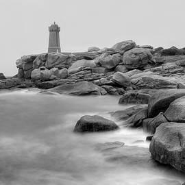 Patrick Jacquet - Ploumanach lighthouse BW