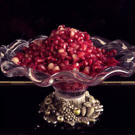Ana Dawani - Pomegranate