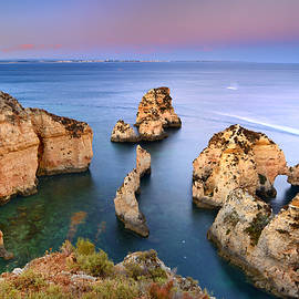 Guido Montanes Castillo - Ponta de Piedade at sunset
