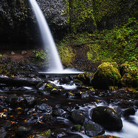 Vishwanath Bhat - Ponytail Falls in Columbia River Gorge in Autumn