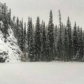 Eoin Carey - Porcupine Lake