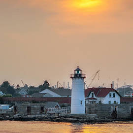 Scott Thorp - Portsmouth Harbor Lighthouse at Sunset