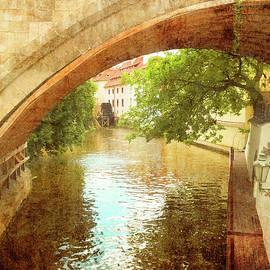 Gerlya Sunshine - Prague. Meet me under the Charles Bridge