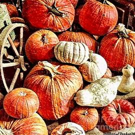 MaryLee Parker - Pumpkins In The Barn
