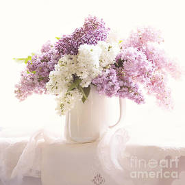 Sylvia Cook - Purple and white lilacs still life