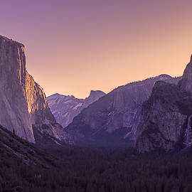 Priya Ghose - Purple Dawn At Yosemite Tunnel View