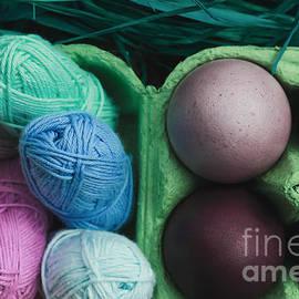 Maria Bobrova - Purple Eggs And Yarn