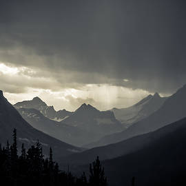 Cale Best - Rain over the Tonquin Valley