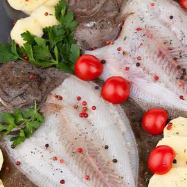 Ezeepics  - Raw Turbot Fish And Potatoes