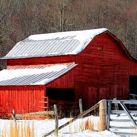 Carol R Montoya - Red Barn In Snow
