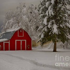 Idaho Scenic Images Linda Lantzy - Red Barn in Snow