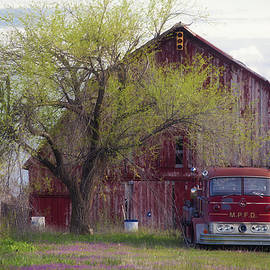 Toni Hopper - Red Barn Red Truck