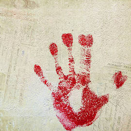 Cathie Richardson - Red Hand French Square
