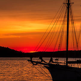 Steven Bateson - Red Maine Sunrise