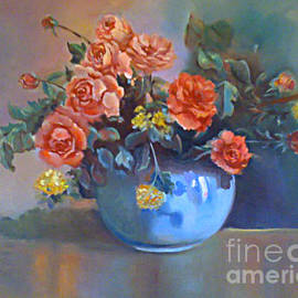 Farideh Haghshenas - Red Roses in a Vase
