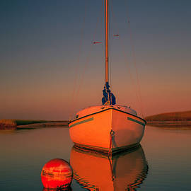 Dapixara Art - Red Sunrise Reflections On Sailboat
