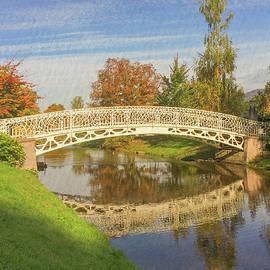 Gerlya Sunshine - Reflection of bridge in the river