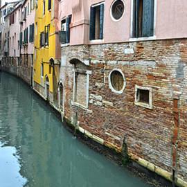 Bob VonDrachek - Riellos of Venice