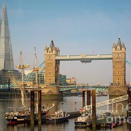 Brian Jannsen - River Thames Morning