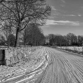 Leif Sohlman - Road and stonewall monochrome