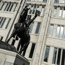 Georgia Mizuleva - Robert the Bruce - Scotland National Hero Equestrian Statue at Marischal College in Aberdeen
