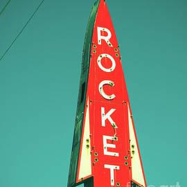 Sonja Quintero - Rocket To It