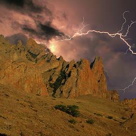 Yuri Hope - Rocks and lightning