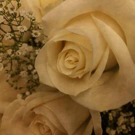 Arlene Carmel - Rose Bouquet