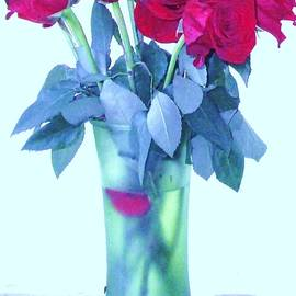 Trudy Brodkin Storace - Rose Bouquet From Yesterday