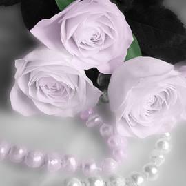 Johanna Hurmerinta - Roses And Pearls 2