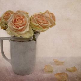Claudia Moeckel - Roses for Grandma