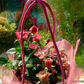 Joan-Violet Stretch - Roses Gift Bag