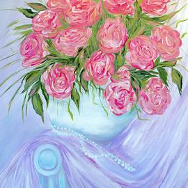 Oksana Semenchenko - Roses in a Vase