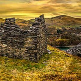 Adrian Evans - Ruins of Snowdonia Panorama