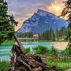 DJ MacIsaac - Rundle Mountain on the Bow River