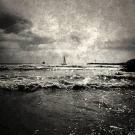 Glenn McCarthy - Sailing Away