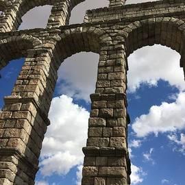 Christy Gendalia - Segovia Aqueduct
