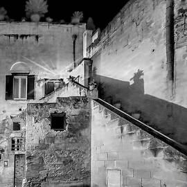 Jennie Breeze - Shadows in Matera.Italy