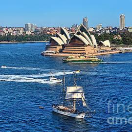 Kaye Menner - Ships and Boats passing Opera House