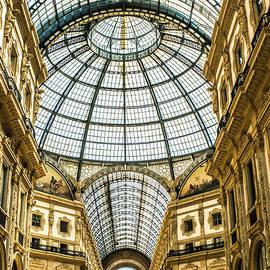 Lisa Lemmons-Powers - Shopping anyone? Galleria, Milan