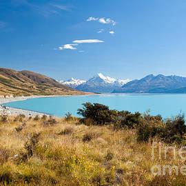 Stephan Pietzko - Silty glacier Lake Pukaki Aoraki Mt Cook NP NZ
