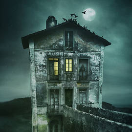 Carlos Caetano - Sinister Old House