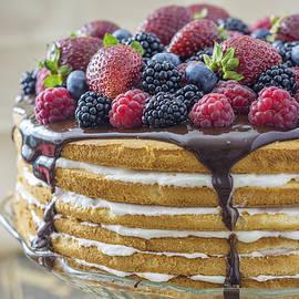 Adrian Banu - Six-layer cream and chocolate cake with fresh berries