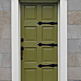 Ethna Gillespie - Skinny Door