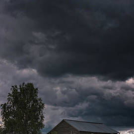 Jukka Heinovirta - Small Barn Under The Storm Clouds
