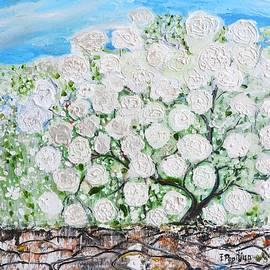Evelina Popilian - Snowballs Flowers